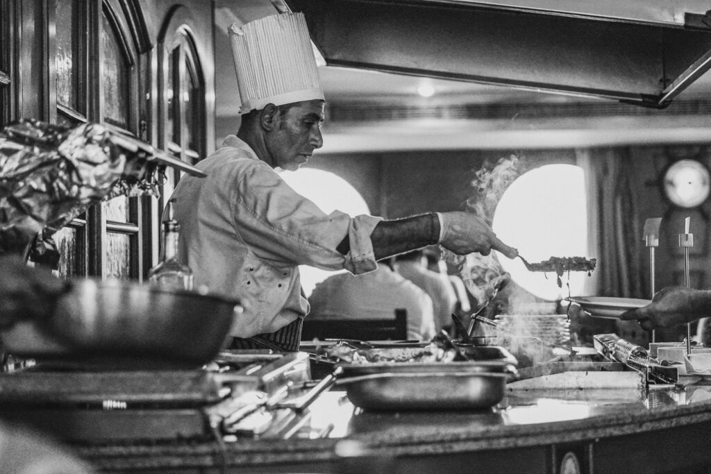 restaurant reservation system - a chef in a restaurant