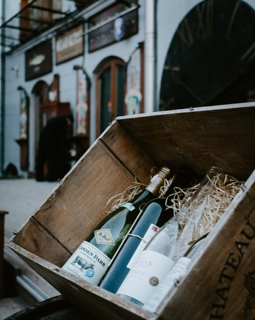 resOS' webshop for restaurants. Wine in a box